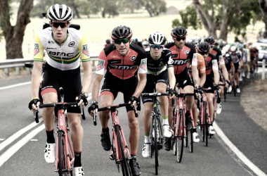 "Varios corredores de BMC en el Tou Down Under 2018<i><span>| Foto: Ciclismo Vavel</span></i><p class=""MsoNormal""><i><span></span></i></p>"