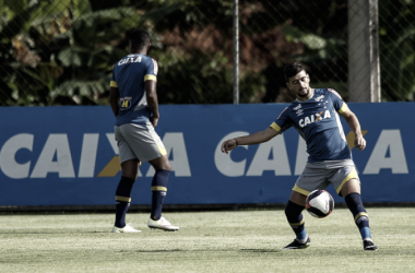 Arrascaeta volta ao elenco de Mano após desfalcar o Cruzeiro em duas partidas (Foto: Washington Alves/Cruzeiro)