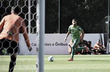 Dos cinco jogos-treinos realizados na intertemporada, Diego foi titular em três, contra oInter de Minas, Cruzeiro e Atlético (Foto: Daniel Hott / América )