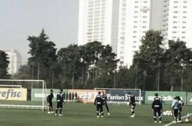 Leandro Pereira brilha em treino técnico com campo reduzido no Palmeiras