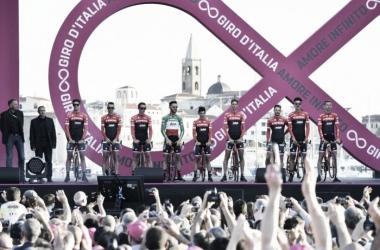 Giro de Italia 2017: Trek-Segafredo, todos a una con un líder claro