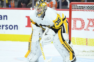 Pittsburgh Penguins: Tristan Jarry odd goalie out after DeSmith extension