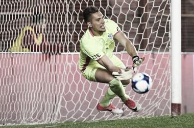 El partido ante Huracán por Copa Argentina fue el punto de partida de su titularidad en el arco de Vélez | Foto: Clarín Deportes