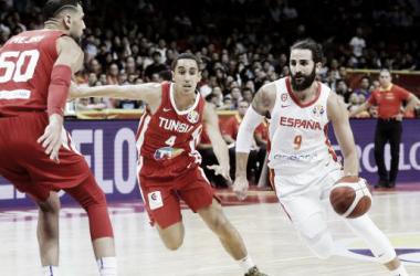 España no defrauda en su debut