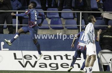 Levante 4-1 Málaga: Barral hat-trick wins hosts three points