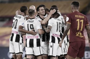 Udinese surpreende Roma fora de casa e se afasta da zona de rebaixamento