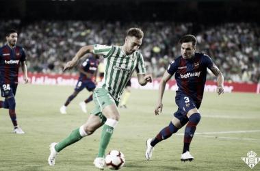 El Betis empezó la liga con una derrota abultada contra el Levante. Foto: Real Betis.