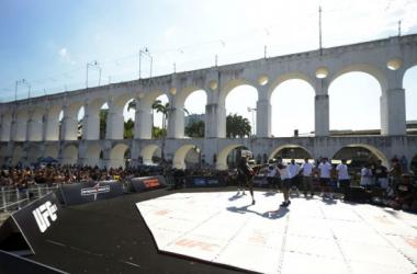 O treino aberto do UFC Rio 3 foi realizado nos Arcos da Lapa (Foto: Alexandre Loureiro)