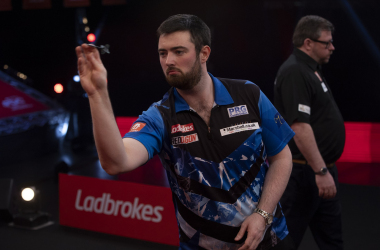 <span>Humphries in action against Wade in the 2021 UK Open Final (Photo: Lawrence Lustig/PDC)</span>