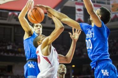 #23 Kentucky Wildcats Bounce Back With Win Over Arkansas Razorbacks