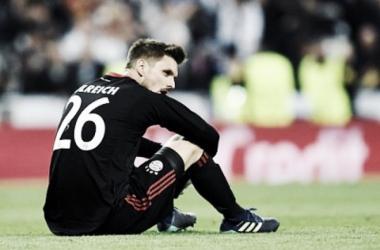 El portero, decepcionado por su error | Foto: @svenulreichoffiziell