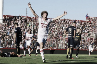 Festejo del segundo gol, el auto Leonardo Sánchez. | Foto: Unión Oficial