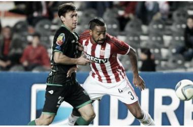 El duelo de la noche - Álvaro Pereira vs Michel Covea (Foto: TyC Sports).