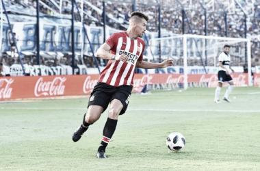 Gastón Giménez frente a Gimnasia y Esgrima de la Plata en la fecha 15. Foto: Página oficial de Estudiantes de la Plata.