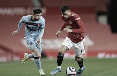 Manchester United domina West Ham, mas vence pelo placar mínimo