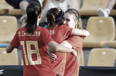 Las jugadoras celebrando uno de los goles FOTO: @SeFutFem