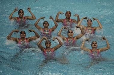 Equipo tricolor de nado sincronizado comienza ciclo de competencias