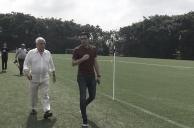 Presidente Leco, no gramado do CT (Foto: Felipe Lucena /São Paulo FC)