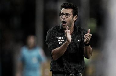 Alberto Valentim recebe proposta do futebol árabe e deixa Botafogo