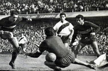 Paulo Valentim y su sana costumbre de anotarle goles a River. Foto: Yahoo