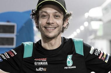 Rossi con los nuevos colores de su nuevo equipo, Petronas SRT. Foto: instagram.com