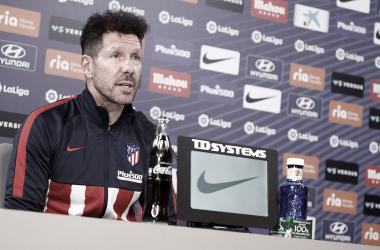Simeone en la rueda de prensa previa al partido contra el Valladolid. / Fuente: Atlético de Madrid