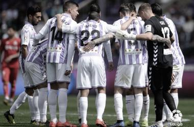El Real Valladolid haciendo piña (foto LaLiga.es)