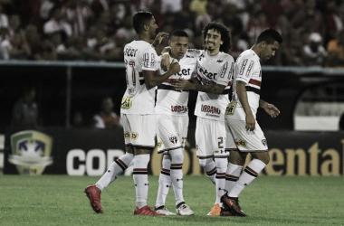 São Paulo vence CRB novamente e garante classificação na Copa do Brasil