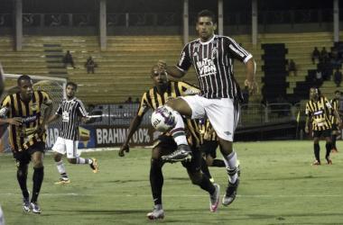 """Diego Souza comemora gol contra Tigres e vê melhora no Flu: """"Estamos encaixando"""""""