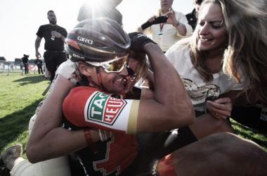 Greg Van Avermaet celebrando el triunfo | Foto: Tim De Waele