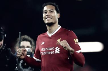 Virgil Van Dijk elogió al Liverpool y admitió que tuvo que mejorar | Foto: Liverpool