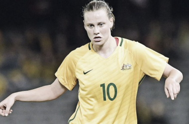 Emily van Egmond playing for Australia. | Photo: dfb.de