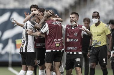 Vargas comemora gol (Foto: Pedro Souza/Atlético-MG)