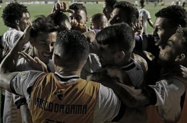 Elenco vascaíno comemora o único gol do jogo (Foto: Rafael Ribeiro / Vasco da Gama)