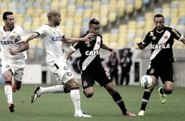 'Mandante longe de casa', Vasco encara Atlético-PR de olho no G-6