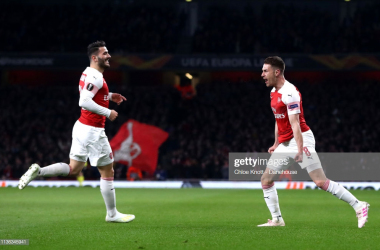 Aaron Ramsey of Arsenal celebrates scoring his teams first goal during the UEFA Europa League Quarter Final First Leg match between Arsenal FC and S.S.C Napoli at The Emirates Stadium on April 11, 2019 in London, England. (Photo by Chloe Knott - Danehouse/Getty Images)
