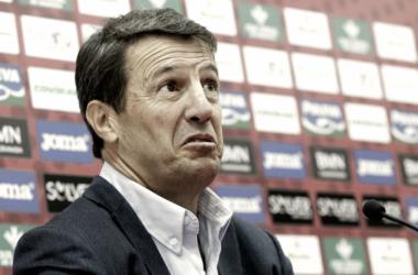 La afición no confía en José González