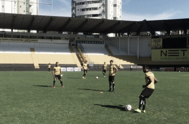 No treinamento desta segunda (16), Beto fez testes, mas não confirmou formação | Foto: Fernando Ribeiro/Criciúma E.C.