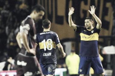 Riquelme se despide de la gente de Boca en su último partido en el club. Foto: Olé.