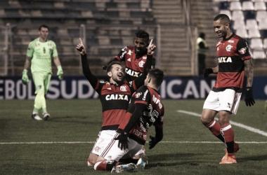 Flamengo toma susto, mas goleia Palestino-CHI fora de casa e abre ótima vantagem