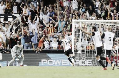 Valencia sofre, mas vence Bilbao em casa e segue com grande campanha no Espanhol