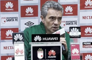 El técnico español debutó con derrota esta noche en Bogotá ante Santa Fe. | Foto: WIN Sports