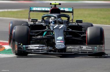 Valtteri Bottas tops FP1 at slippery Portimao