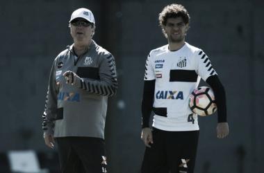 Victor Ferraz se recupera, treina normalmente, e vira opção no Santos para enfrentar o Avaí