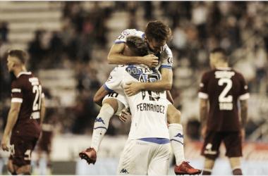 Postal de la goleada del 2019 por 4-0, en Liniers (Foto: A Puro Gol).