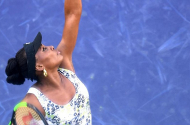 Venus Williams vence Carla Suarez Navarro e chega às semifinais de Indian Wells