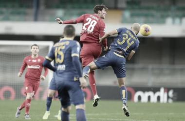 Verona derrota Fiorentina contando com 'lei do ex'