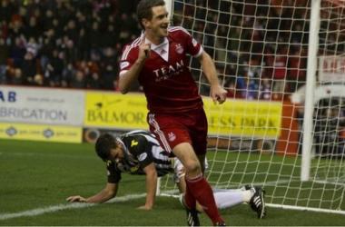 Scott Vernon celebrates scoring Aberdeen's opener
