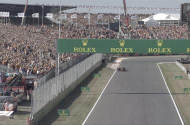 El héroe local Verstappen logra la pole en Zandvoort. (Fuente: F1)