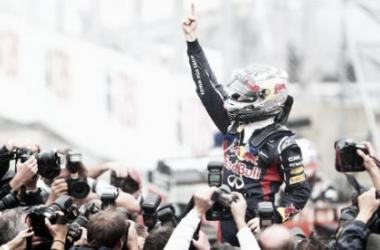 El campeón del mundo lleva ganados 10 GP esta temporada (foto: www.f1aldia.com).